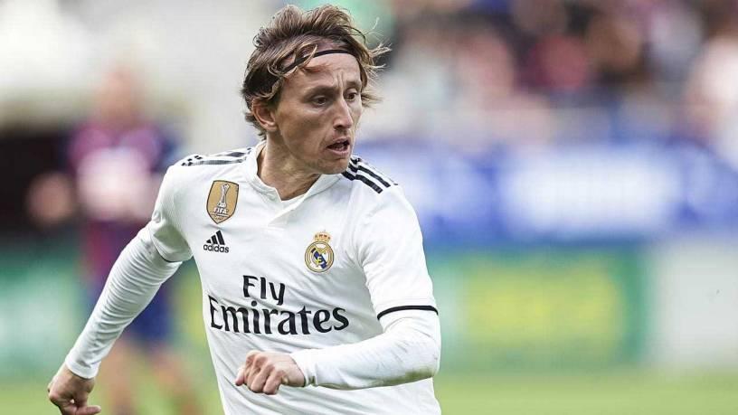 Luka Modric Tolak Kontrak Baru Bersama Real Madrid