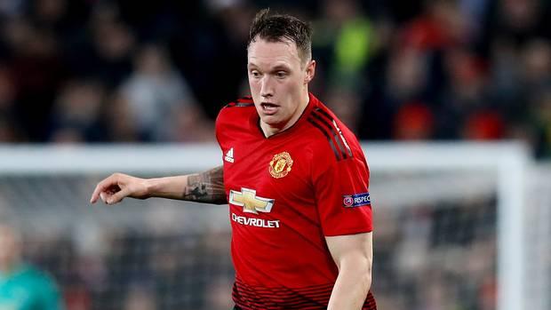 Manchester United Resmi Perpanjang Kontrak Phil Jones