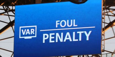 Debut Perdana VAR di Liga Champions Langsung Tuai Kontroversi